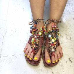 インド カラフル足飾り